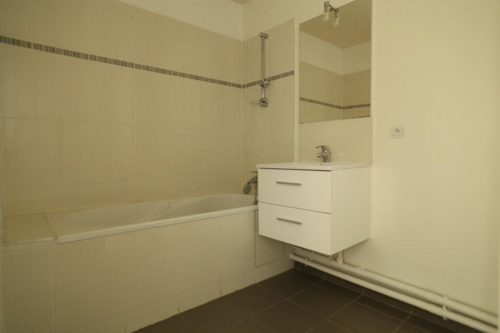Appartement à louer 3 60.4m2 à Arcueil vignette-4
