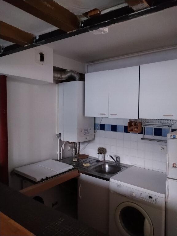 Appartement à louer 2 37m2 à Paris 2 vignette-2