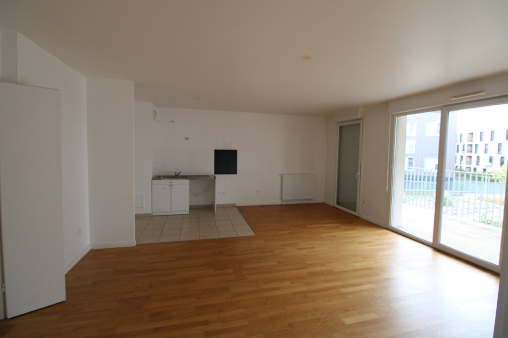 Appartement à louer 4 78.96m2 à Mantes-la-Jolie vignette-1