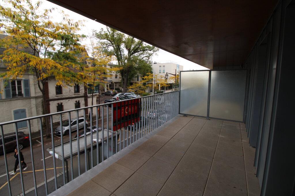 Appartement à louer 4 78.96m2 à Mantes-la-Jolie vignette-2