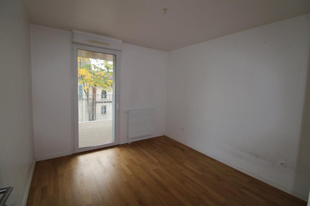 Appartement à louer 4 78.96m2 à Mantes-la-Jolie vignette-4