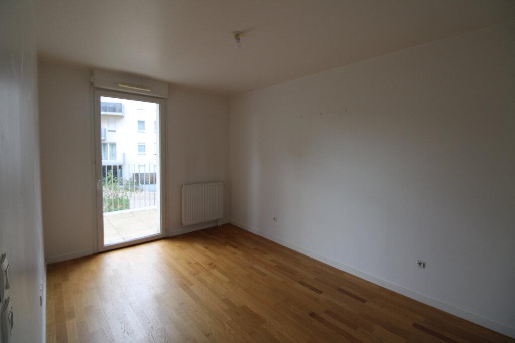 Appartement à louer 4 78.96m2 à Mantes-la-Jolie vignette-5