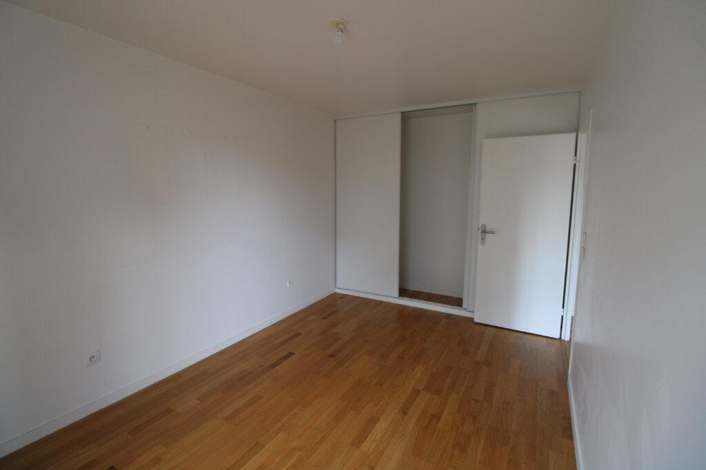 Appartement à louer 4 78.96m2 à Mantes-la-Jolie vignette-11