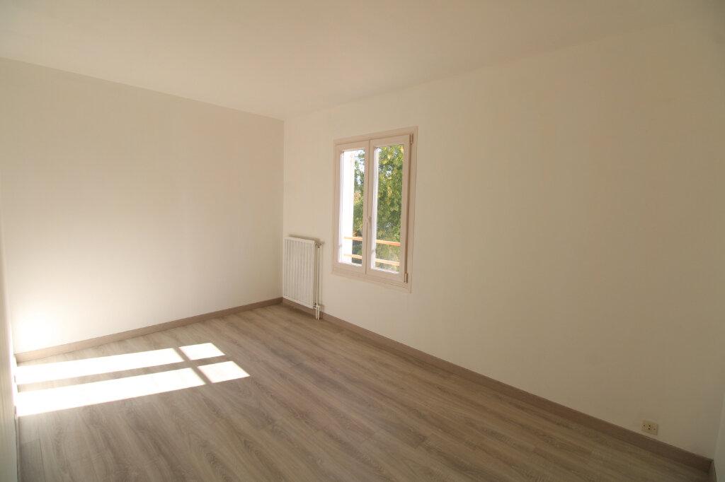 Appartement à vendre 3 70.23m2 à Mantes-la-Jolie vignette-4