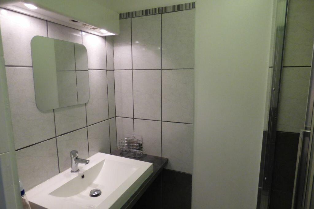 Appartement à louer 1 9.1m2 à Paris 17 vignette-6