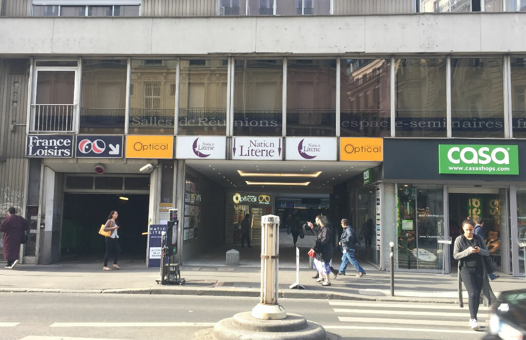 Stationnement à louer 0 0m2 à Paris 9 vignette-1