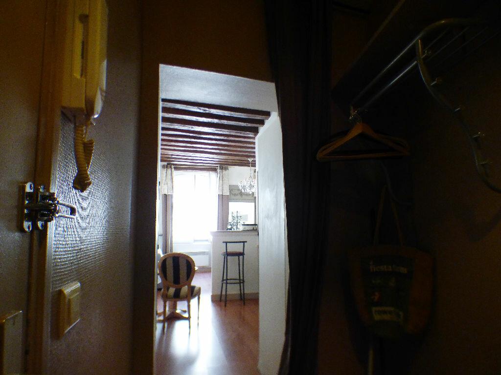 Appartement à louer 1 31.6m2 à Paris 5 vignette-7