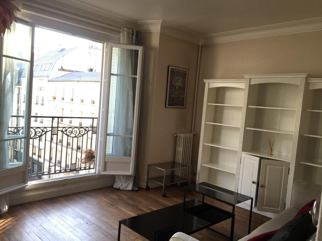 Appartement à louer 2 37m2 à Paris 17 vignette-1