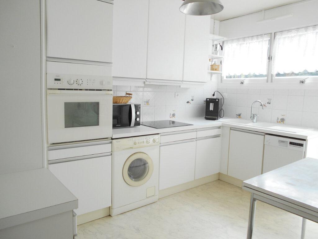 Appartement à vendre 3 67.14m2 à Les Ulis vignette-3