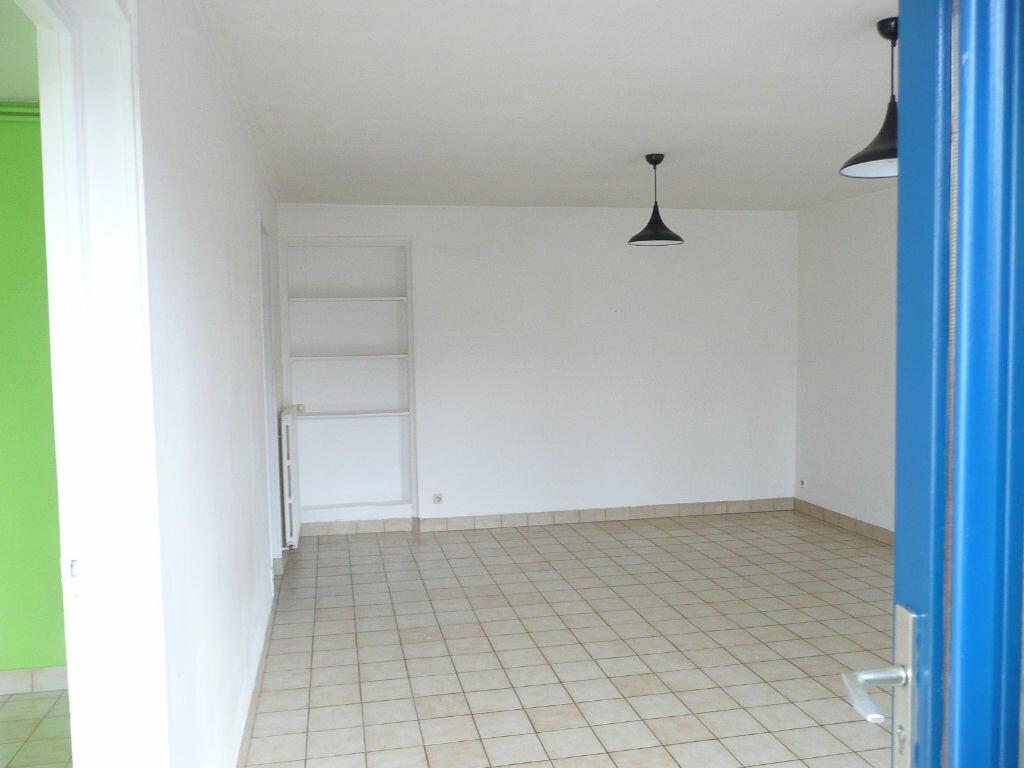 Appartement à louer 2 48m2 à La Celle-sur-Morin vignette-1