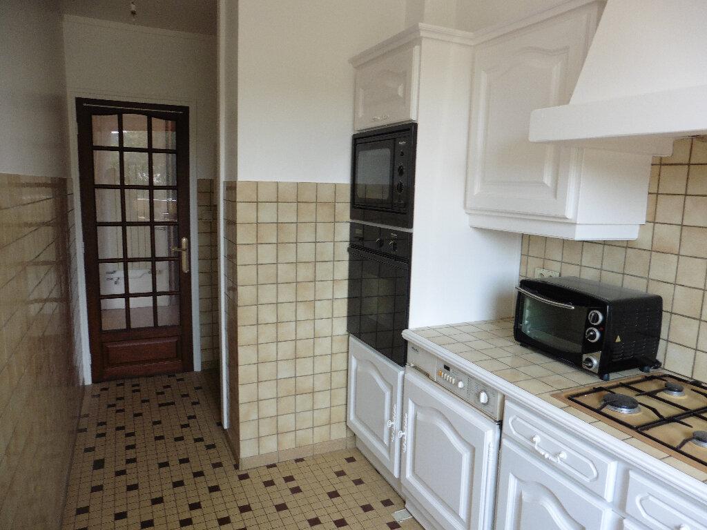 Appartement à louer 4 80m2 à Coulommiers vignette-2