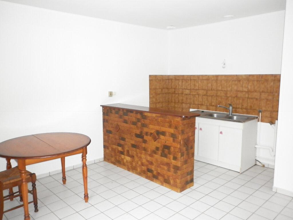 Appartement à louer 2 37m2 à Coulommiers vignette-1
