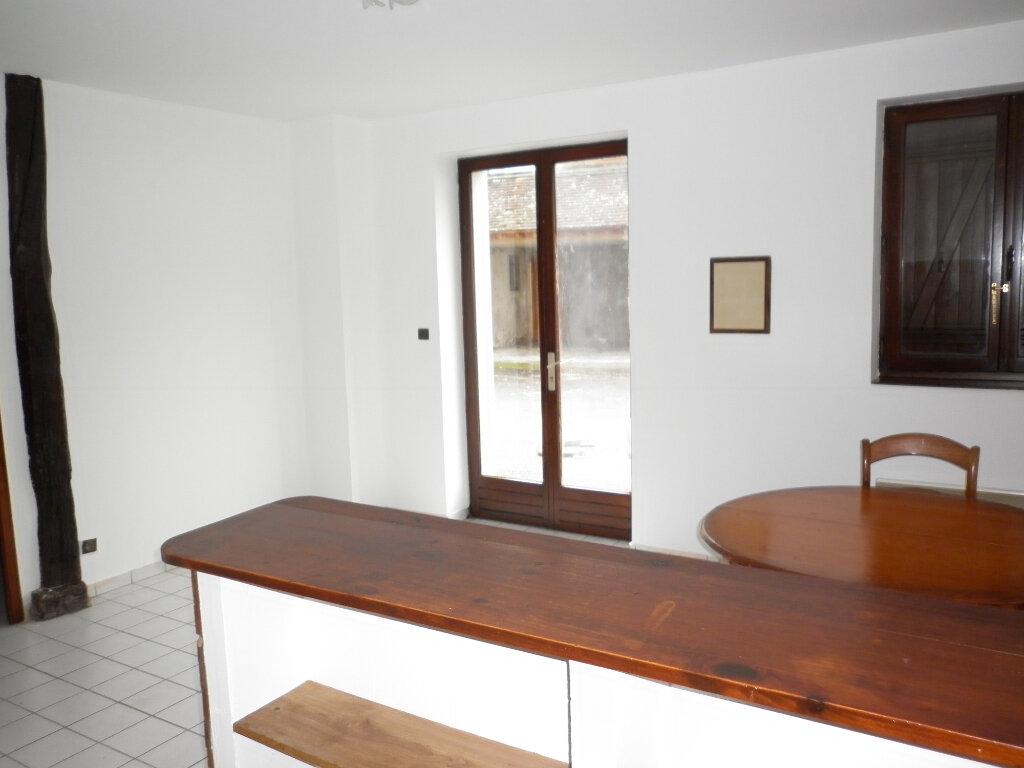 Appartement à louer 2 37m2 à Coulommiers vignette-2