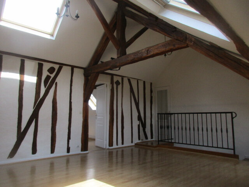 Appartement à louer 4 70m2 à Coulommiers vignette-2