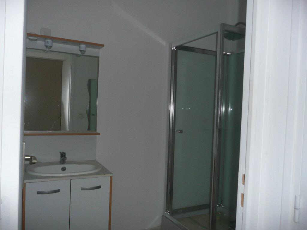 Appartement à louer 2 47m2 à Coulommiers vignette-6