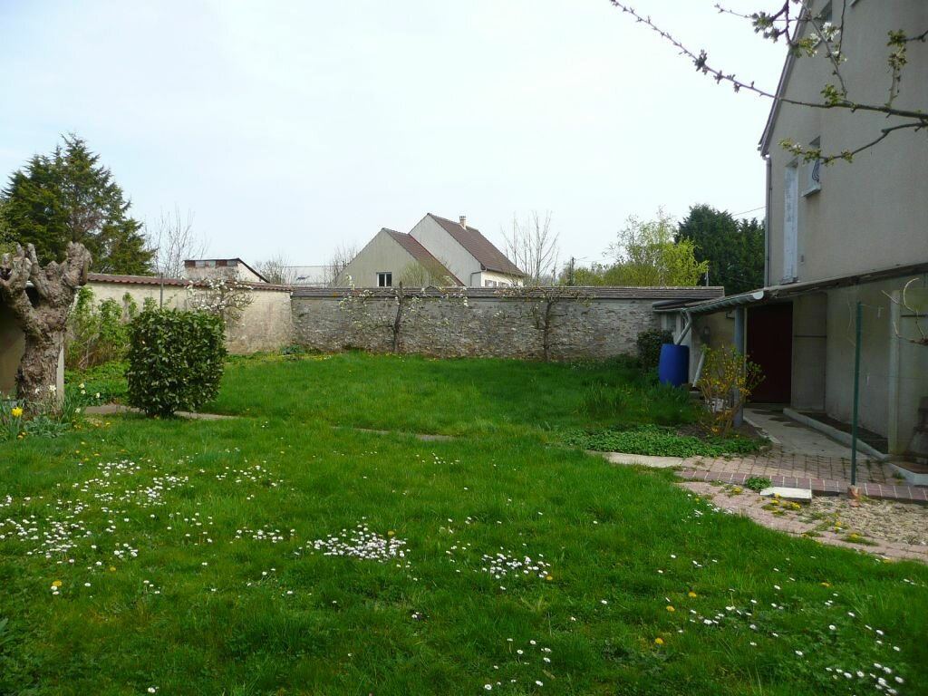 Maison à louer 5 209m2 à Boissy-le-Châtel vignette-3