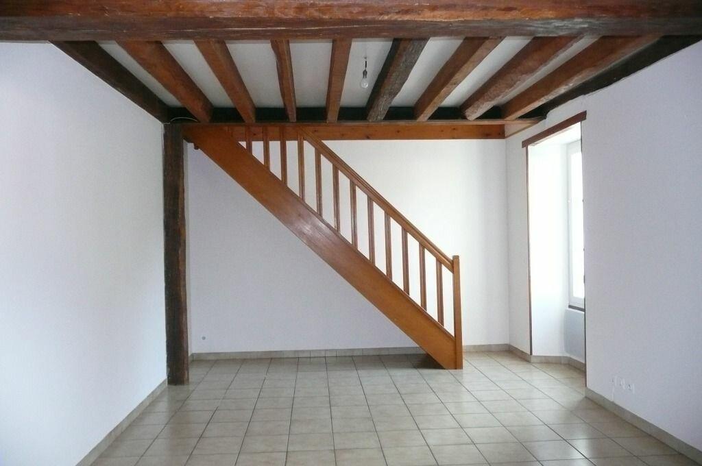 Appartement à louer 4 72.6m2 à Chailly-en-Brie vignette-2