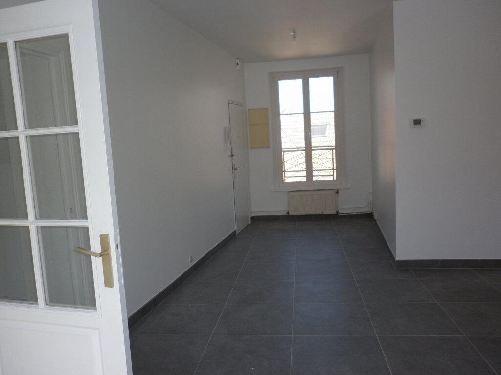 Appartement à louer 4 91.72m2 à Coulommiers vignette-7