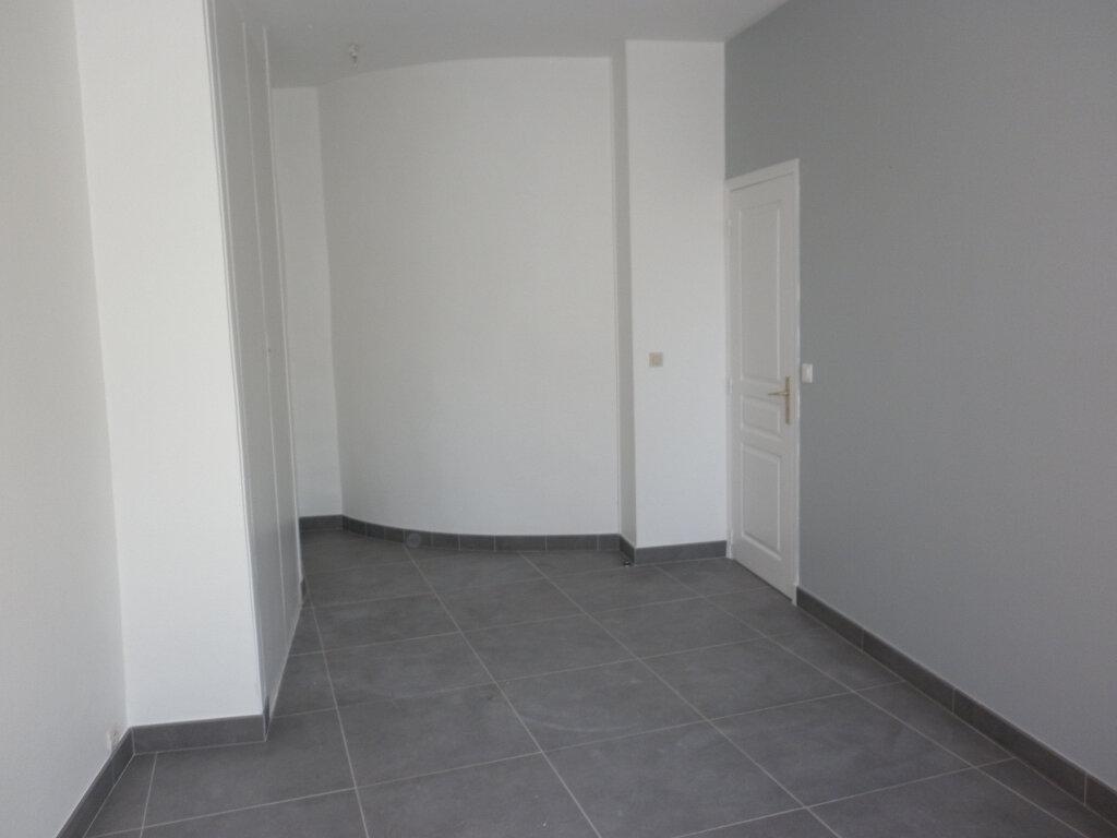 Appartement à louer 4 91.72m2 à Coulommiers vignette-9