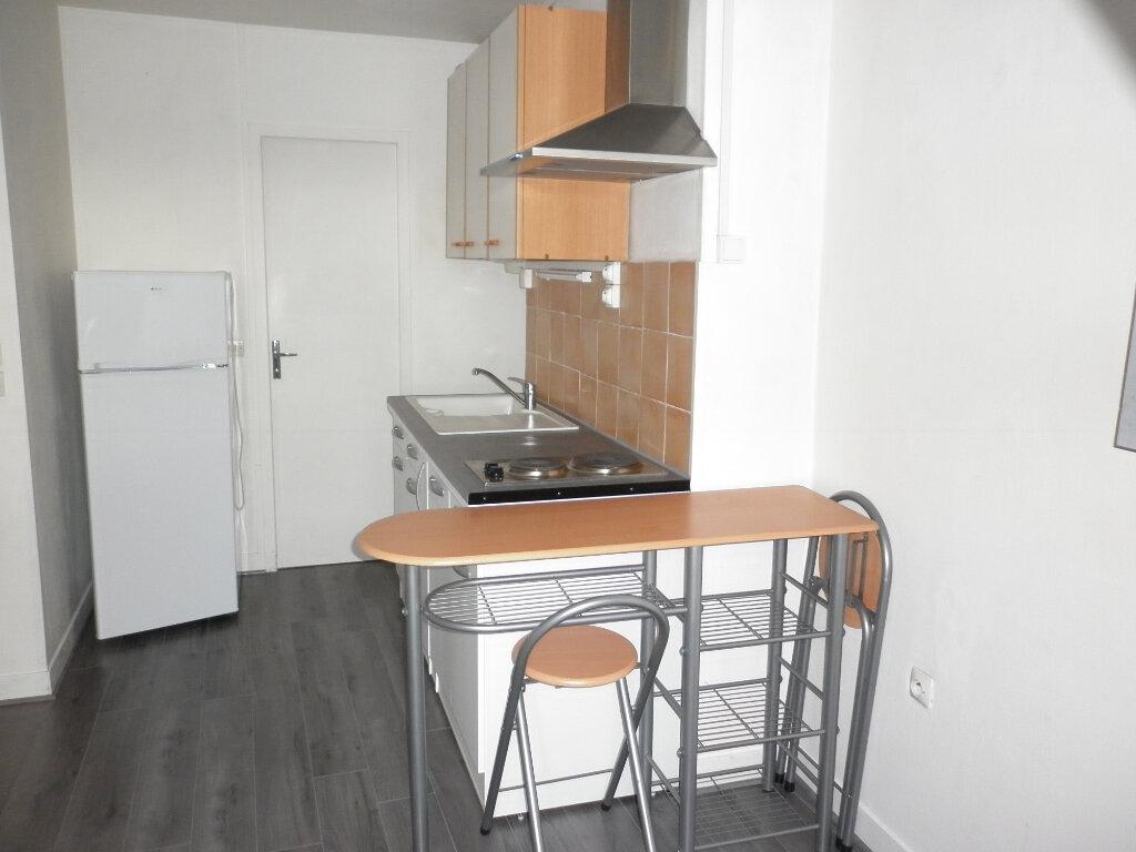 Appartement à louer 2 20.81m2 à Coulommiers vignette-3