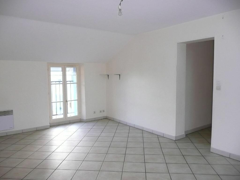 Appartement à louer 3 64m2 à Chailly-en-Brie vignette-2