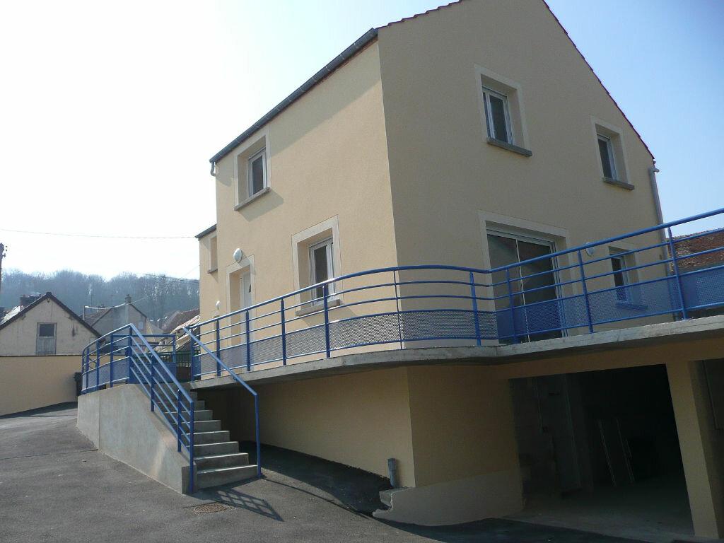 Maison à louer 4 73m2 à Coulommiers vignette-1