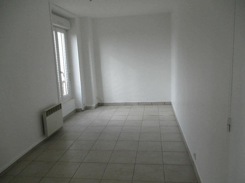 Appartement à louer 1 20.55m2 à Coulommiers vignette-1