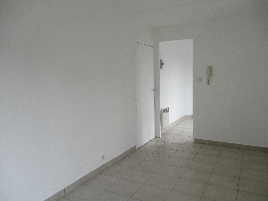 Appartement à louer 1 20.55m2 à Coulommiers vignette-3