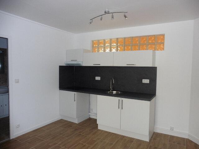 Appartement à louer 2 33.1m2 à Coulommiers vignette-1