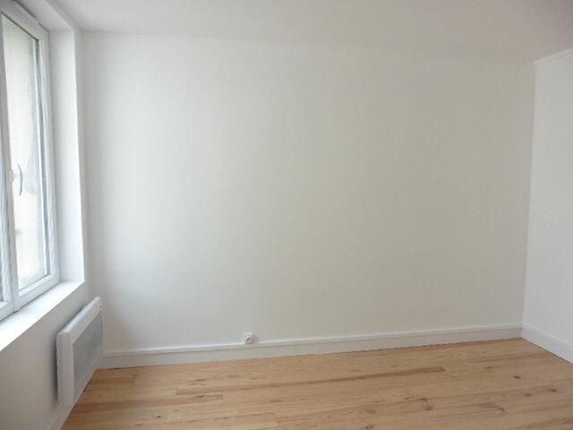 Appartement à louer 2 33.1m2 à Coulommiers vignette-2