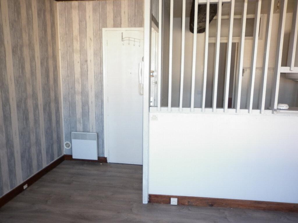 Appartement à louer 2 44.19m2 à Coulommiers vignette-9