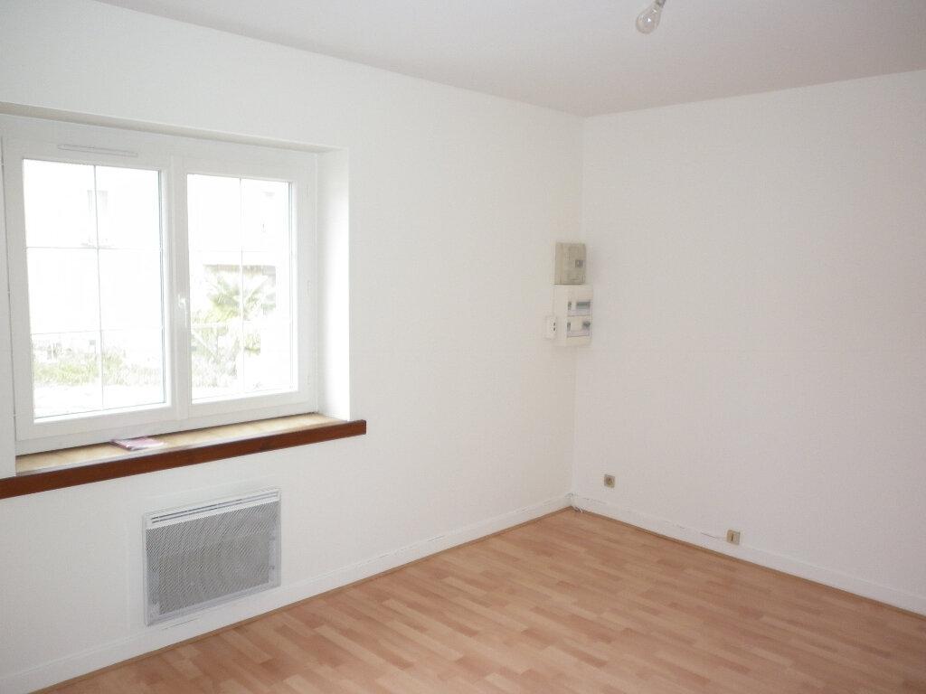 Appartement à louer 2 50m2 à Coulommiers vignette-4