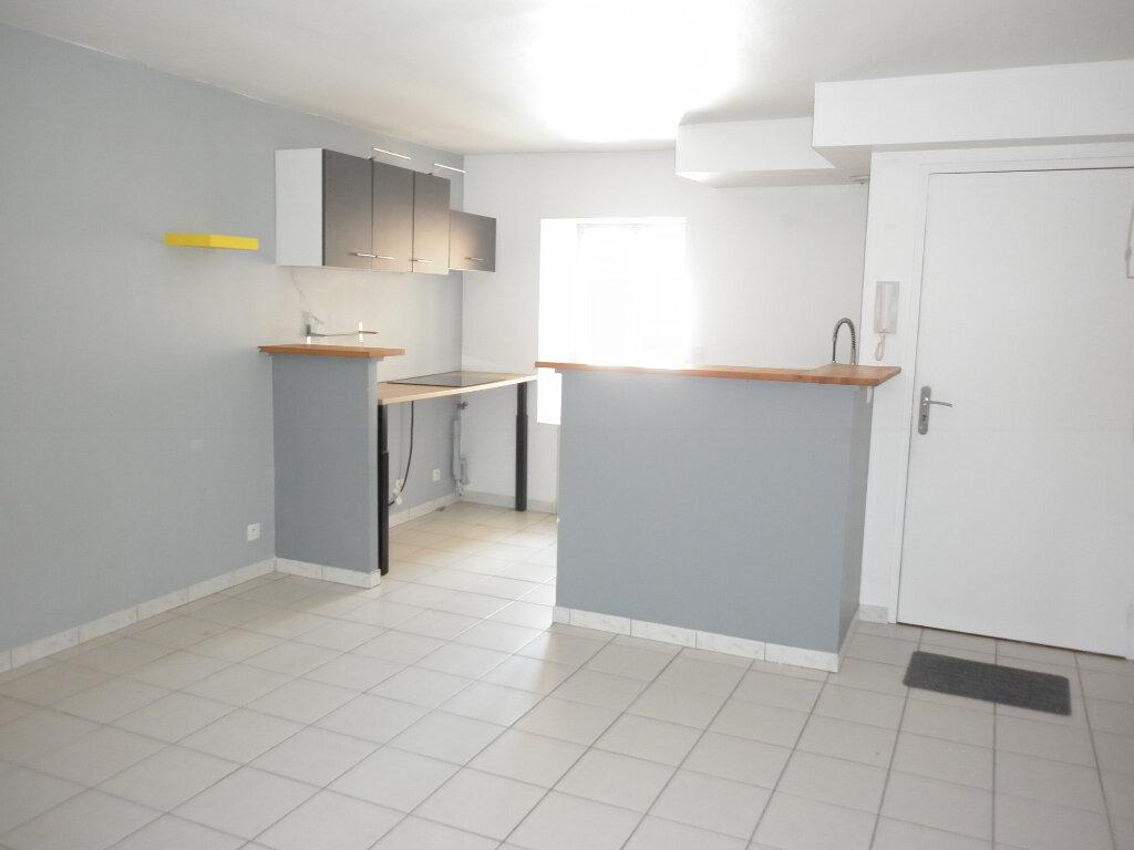 Appartement à louer 2 35.71m2 à Coulommiers vignette-1