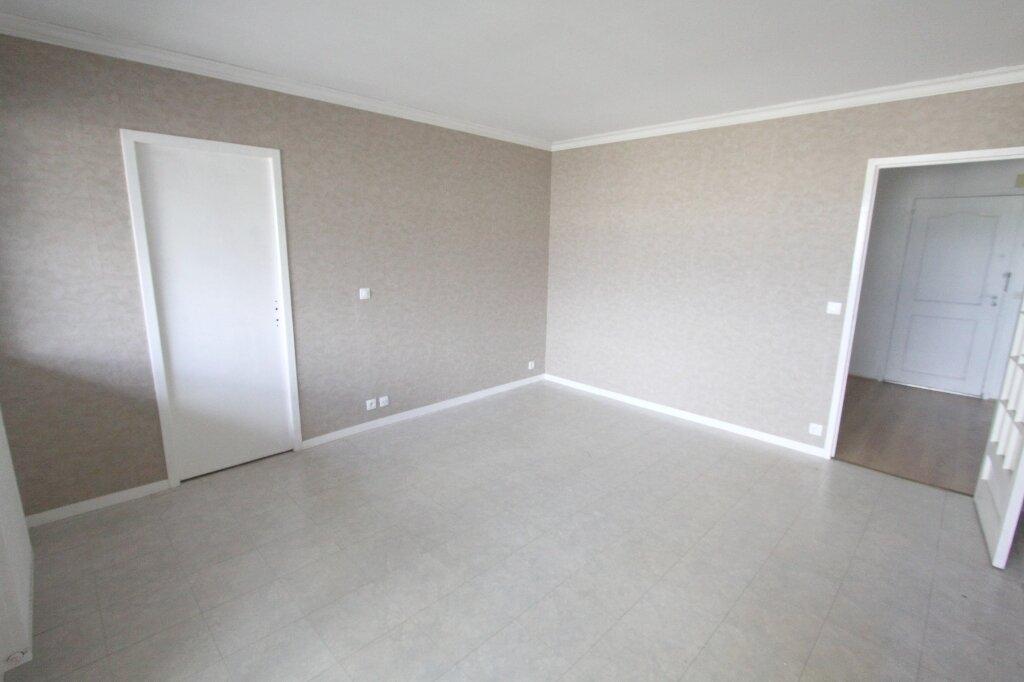 Appartement à vendre 3 64m2 à Les Mureaux vignette-2