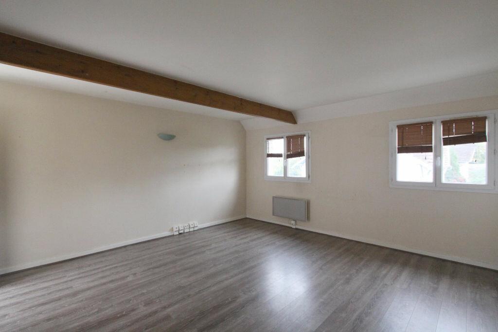 Appartement à louer 2 42.17m2 à Les Mureaux vignette-2