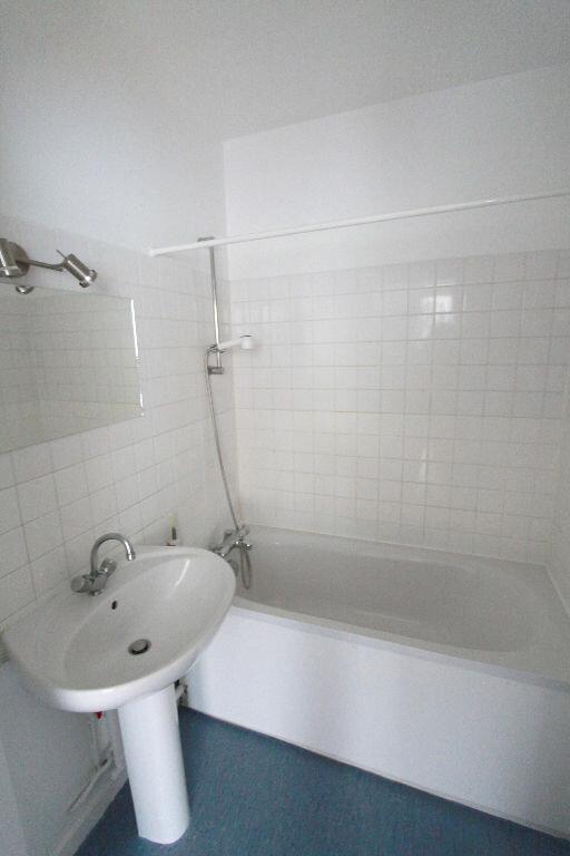 Appartement à louer 1 31.33m2 à Les Mureaux vignette-4