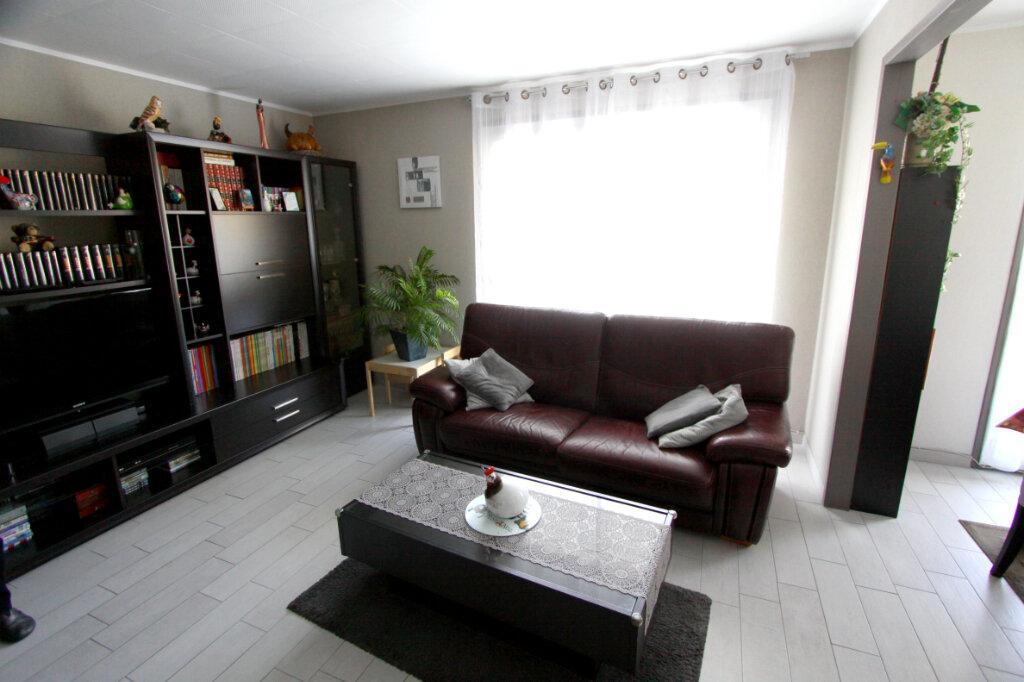 Appartement à vendre 4 81.41m2 à Les Mureaux vignette-2