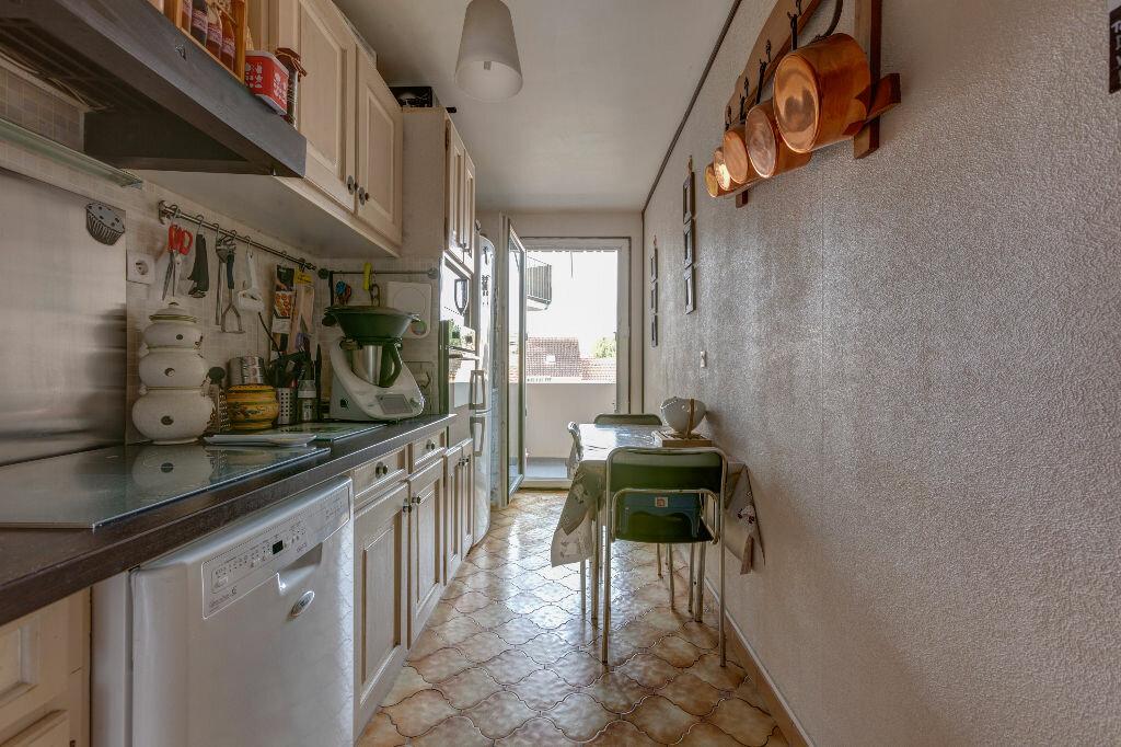 Appartement à vendre 4 81.41m2 à Les Mureaux vignette-3