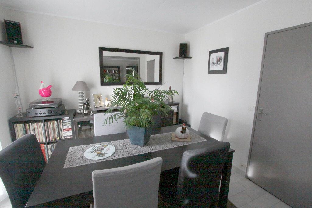 Appartement à vendre 4 81.41m2 à Les Mureaux vignette-4