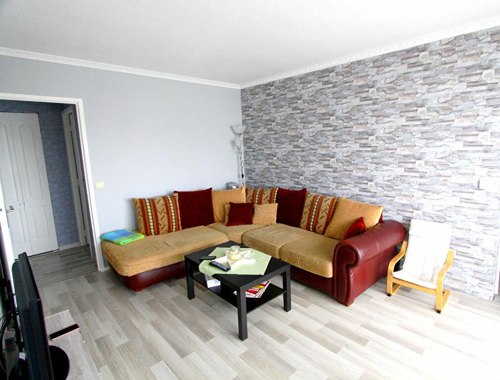 Appartement à vendre 4 73.02m2 à Les Mureaux vignette-1