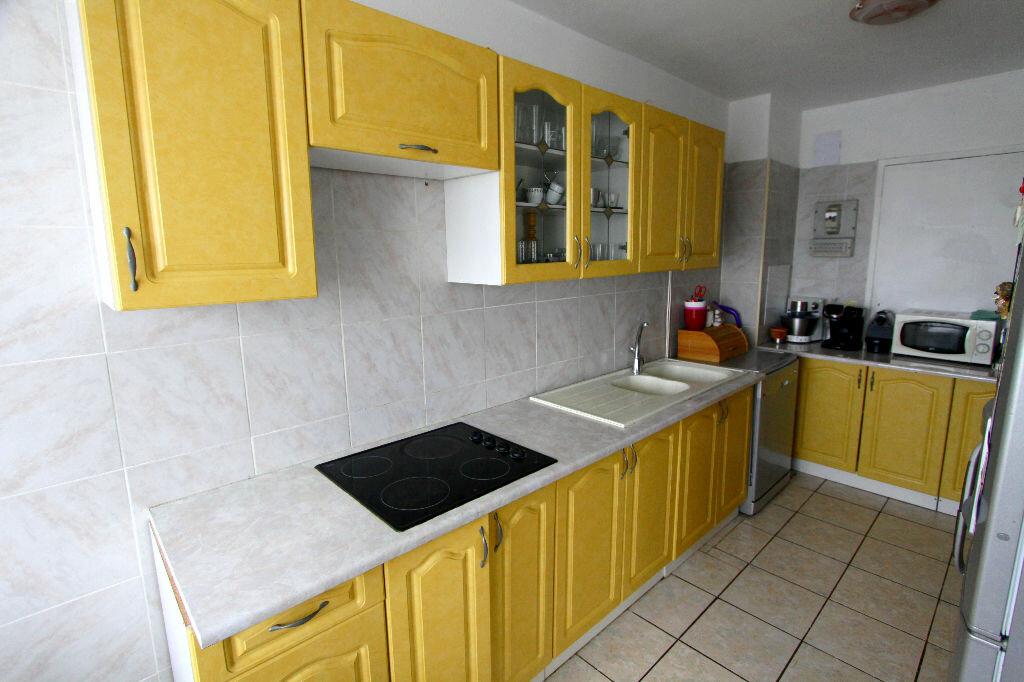 Appartement à vendre 4 73.02m2 à Les Mureaux vignette-4