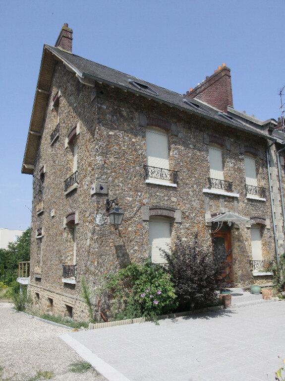 Maison à vendre 8 175m2 à Les Mureaux vignette-2