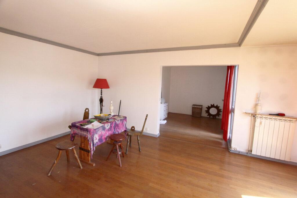 Appartement à vendre 5 98.22m2 à Les Mureaux vignette-3