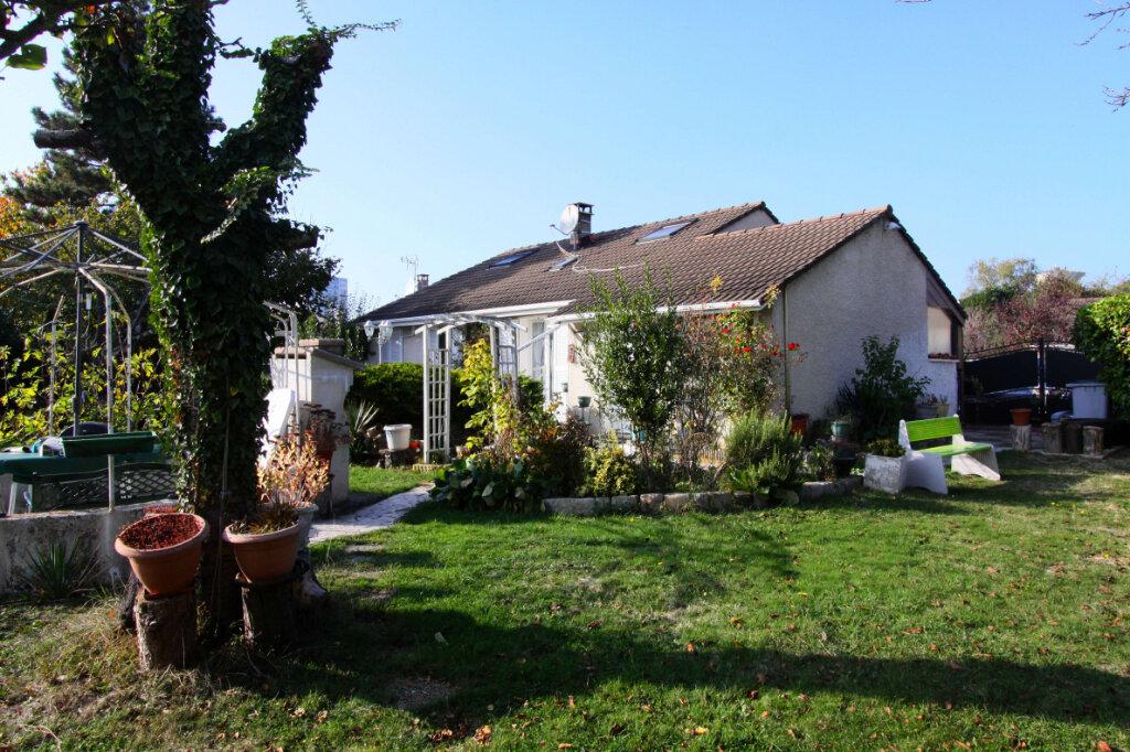 Maison à vendre 6 125m2 à Les Mureaux vignette-1