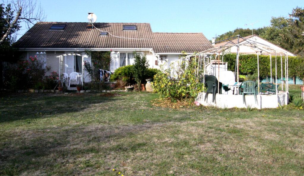 Maison à vendre 6 125m2 à Les Mureaux vignette-2
