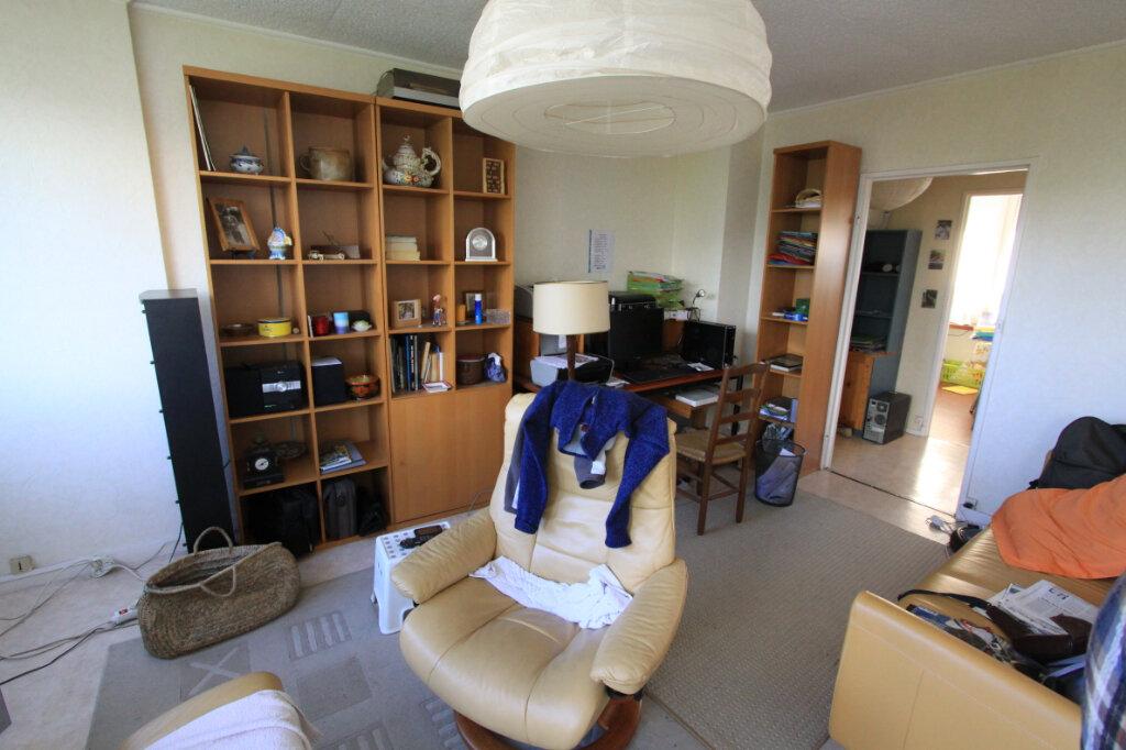 Appartement à vendre 4 81.47m2 à Les Mureaux vignette-2