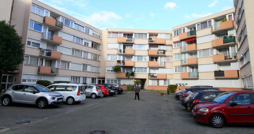 Appartement à vendre 4 81.47m2 à Les Mureaux vignette-4