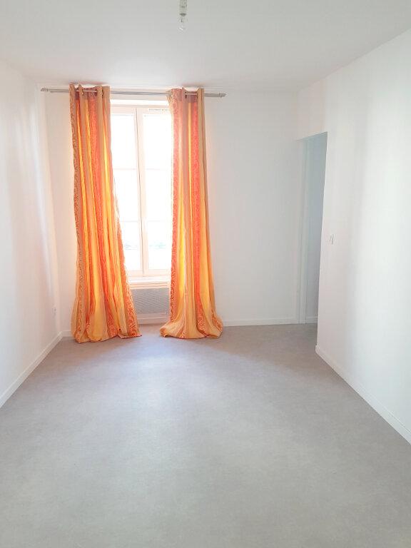 Appartement à louer 2 36.37m2 à Saint-Germain-en-Laye vignette-1