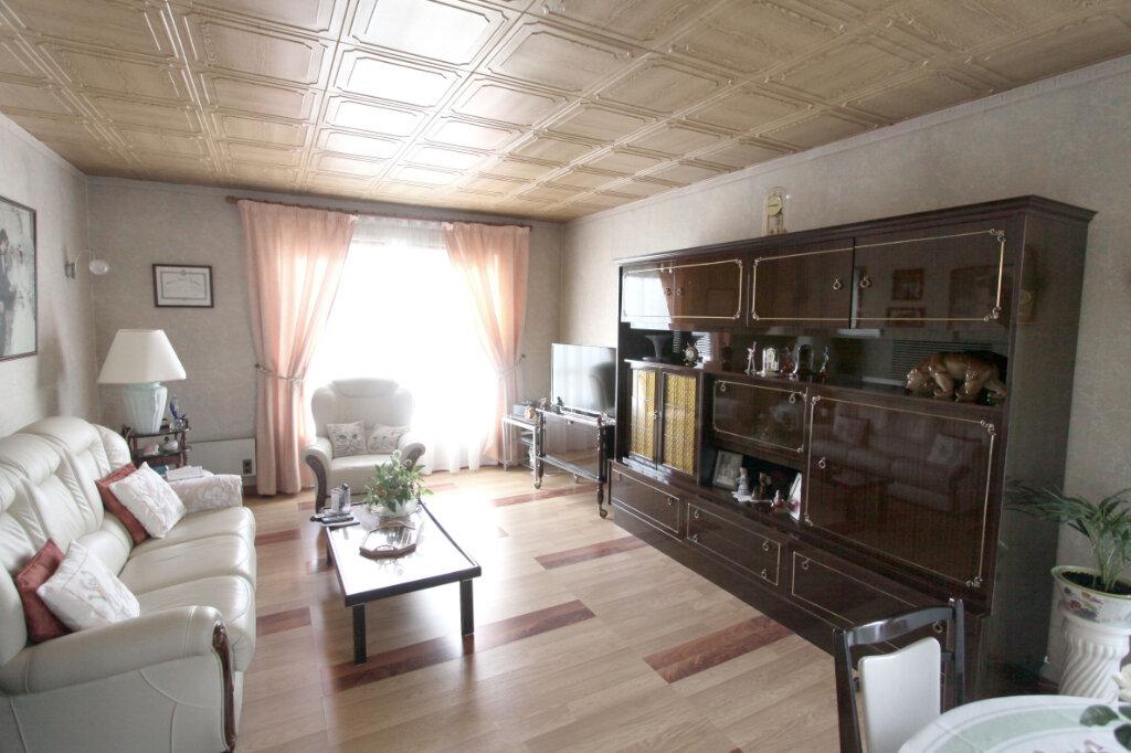 Appartement à vendre 4 81.43m2 à Les Mureaux vignette-2