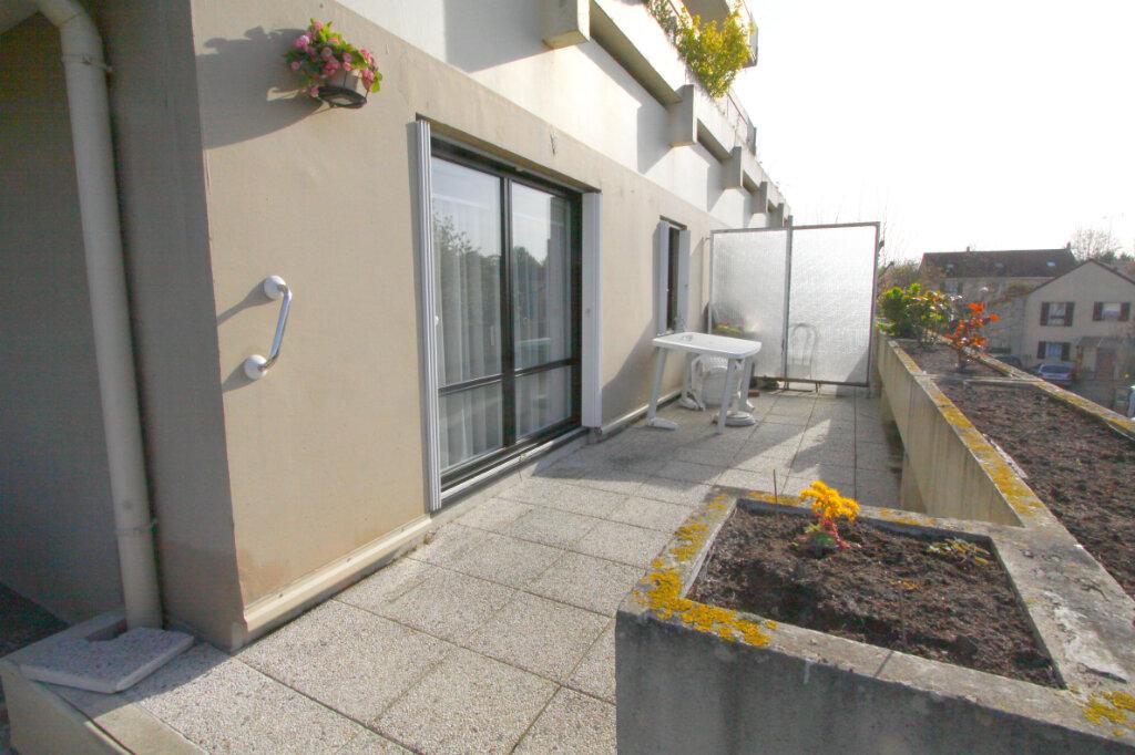 Appartement à vendre 4 81.43m2 à Les Mureaux vignette-3